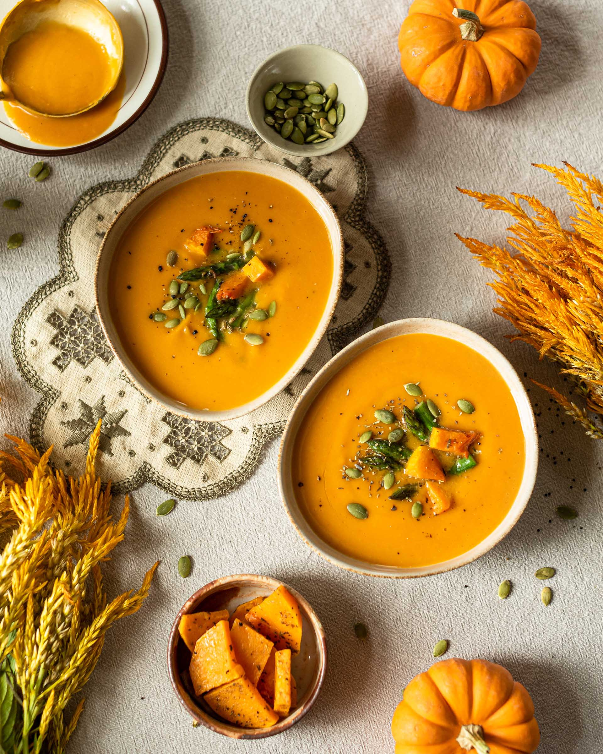 Galina Afanaseva - Pumpkin soup with pumpkin seeds from Foodiesfeed