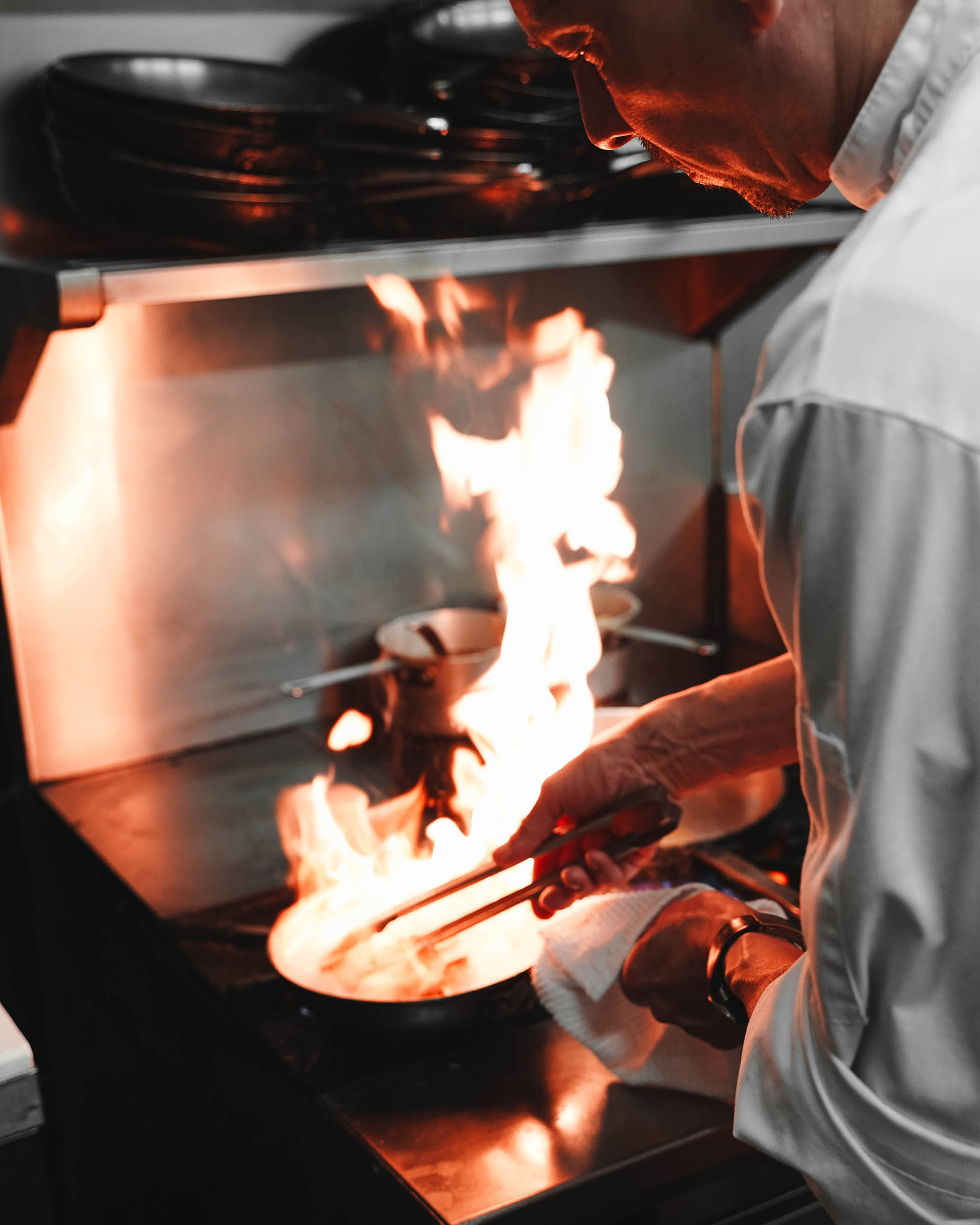 Zahir Namane - Image of cook work in restaurant from Freejpg